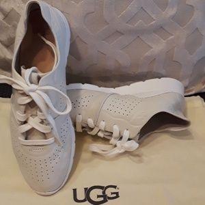 Shoes - UGGS  Tye Sneakers